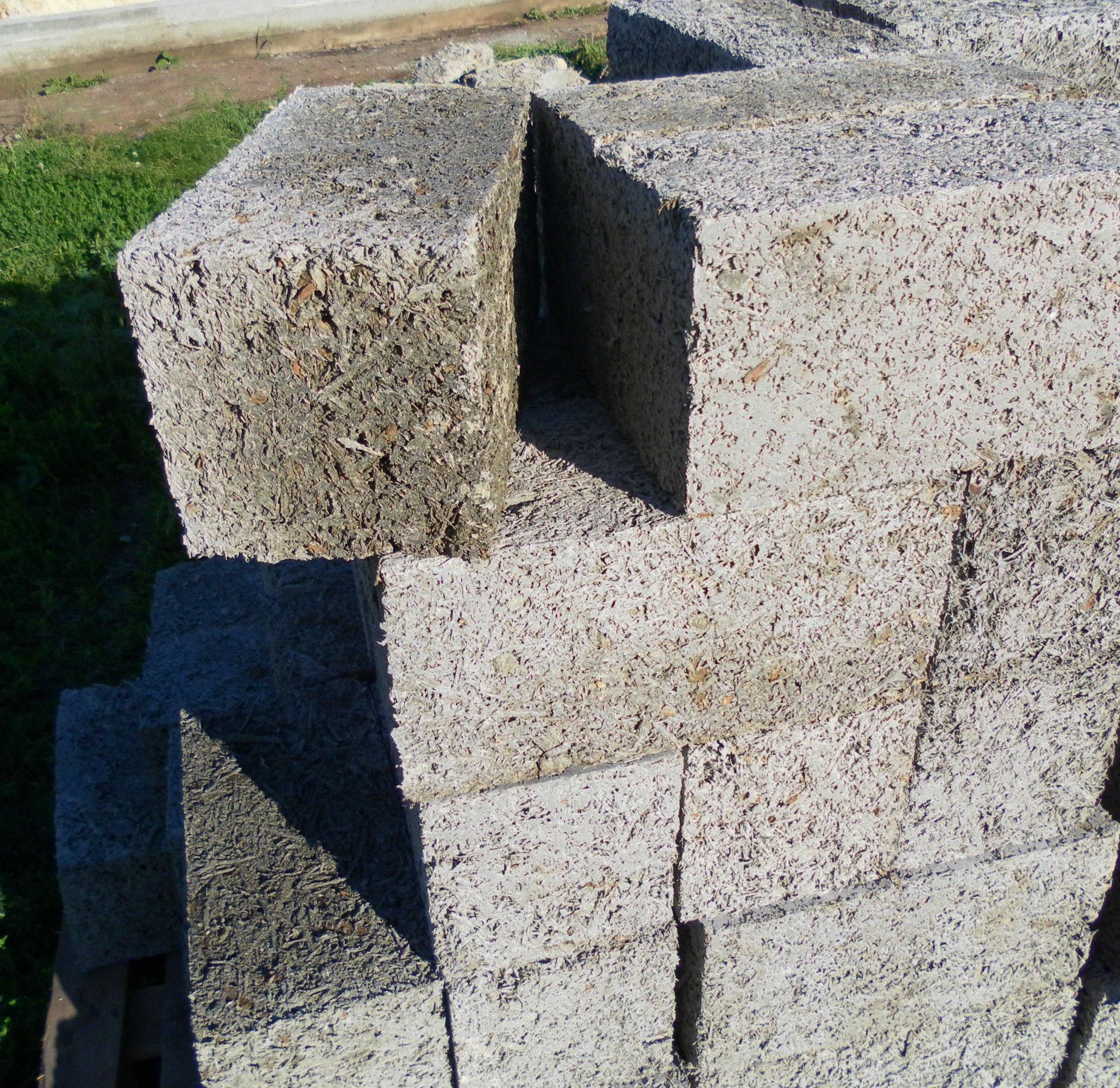 Арболитовый блок строительный