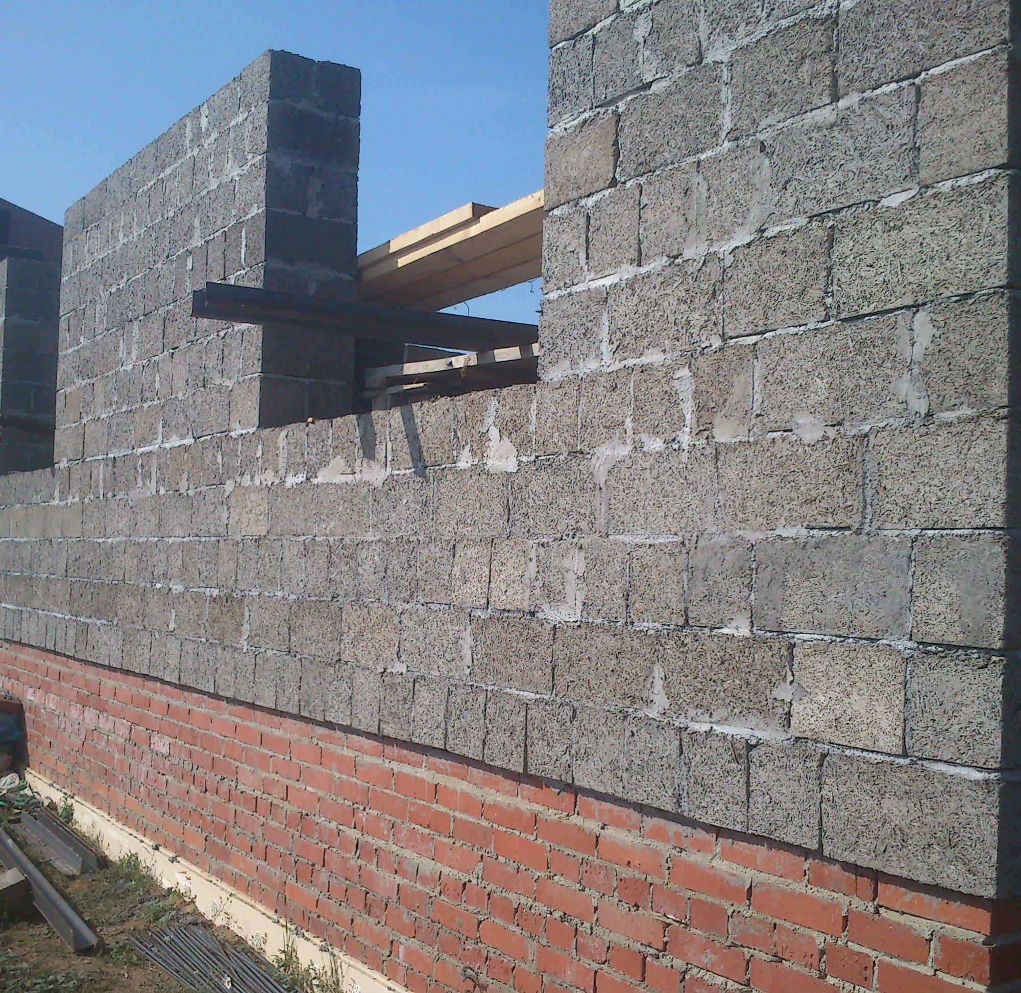 Кладка стены из арболитовых блоков